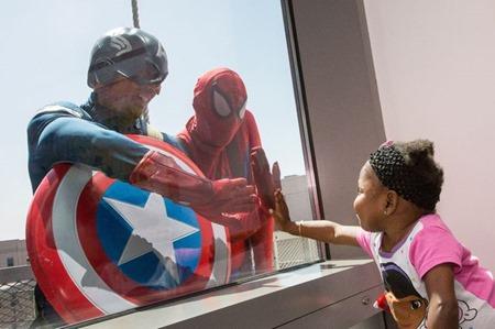 superheroe-spiderman-hospital-miños-cancer